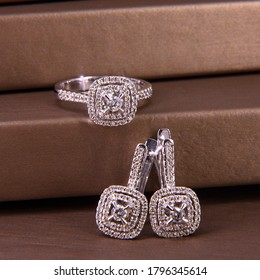 earrings and ring in white gold with diamonds