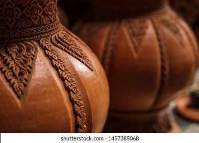 Earthenware Pottery is the art of handicrafts in Nonthaburi, Koh Kret, Thailand