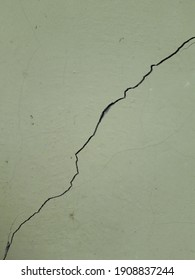 Earthquake cracks on the walls of the house