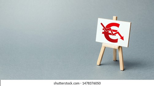 A easel with a canvas and a red Euro arrow down. National currency decline, devaluation and inflation. Adverse market conditions, euro zone crisis. Brexit. low prices and falling demand, recession.