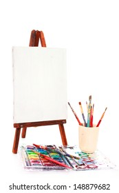 Easel and pain brushes