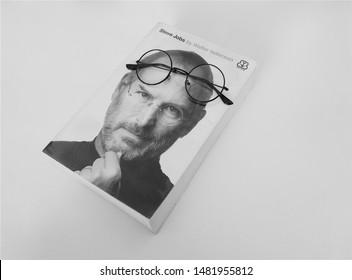 Imágenes Fotos De Stock Y Vectores Sobre Steve Jobs Black