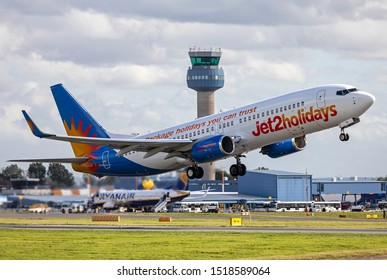 East Midlands Airport (EMA), England, 26th September 2019, Jet2 aircraft, G-DRTC a Boeing 737 takes off from the airport.