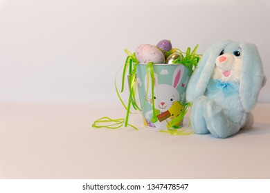 The easter bunny and its eggs