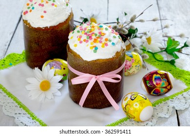 Easter cakes and colored eggs for Easter