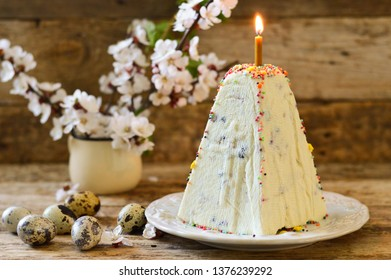 Easter cottage cheese cake. Traditional Slavic Easter dish