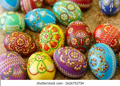 Easter eggs from Germany handmade with wax technique, old Eastern Germany tradition, craftsmanship, custom made easter eggs, Sorbian and Upper and Lower Lusatia tradition