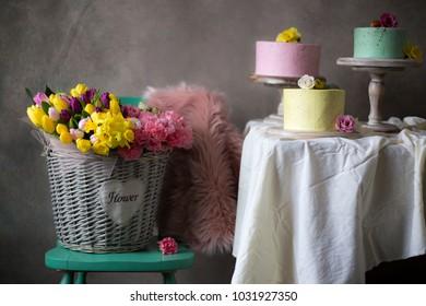 easter table decoration/easter decoration/easter sweet table/easter pastel sweet table/eater cake/easter pastel cake and flowers/pastel cakes/