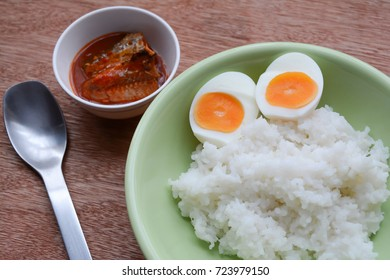 easy breakfast. Boiled egg and  Fish topped with chili