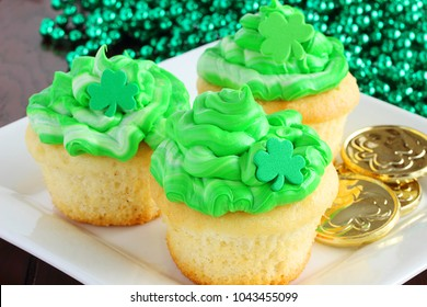 Easy to decorate, these St. Patrick's Day cupcakes will be a hit at your family get together after the parade