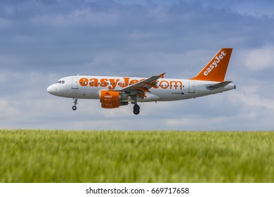easyJet Airbus A319 registration G-EZAO landing on May 21st 2017 at London Luton Airport, Bedfordshire, UK