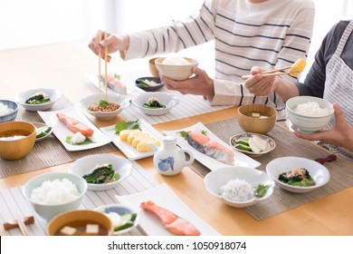 Eat healthy and healthy Japanese breakfast