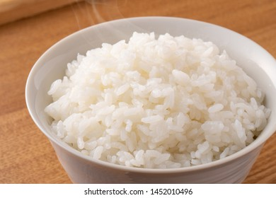 Eat rice at the table