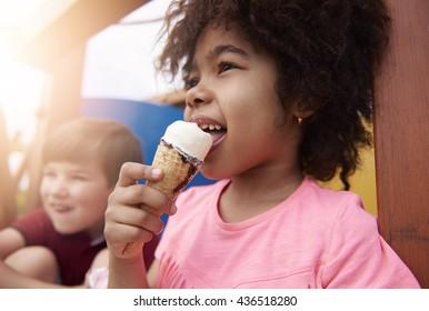 Eating ice cream make me happy