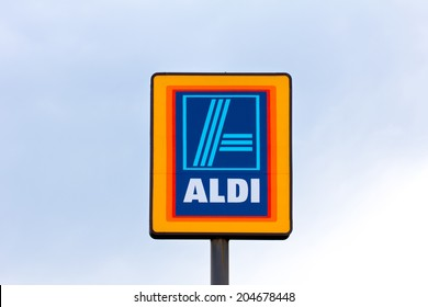 EAU CLAIRE, WI/USA - JUNE 24, 2014:  Aldi grocery store sign.  Aldi is is a global discount supermarket chain based in Germany.