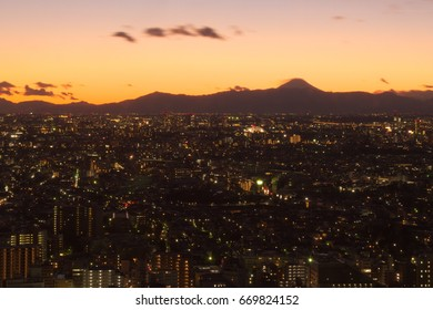 Ebisu,Japan January,15 2017 This is a place in Ebisu with a nice view. The sunset and the night scenery are wonderful.
