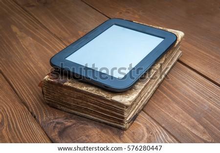 Ebook Tablet Pc Ebook Reader Very Stockfoto Jetzt Bearbeiten