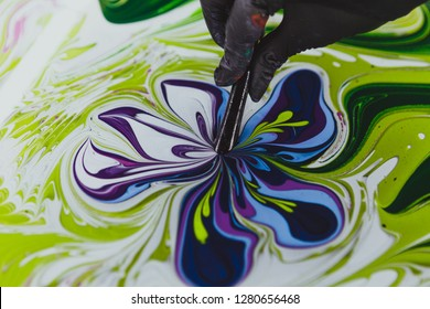 Ebru - painting on water, drawing without a sketch