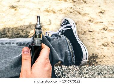 die Sucht junge Menschen elektronische Zigaretten Elektro-Raucher Dämpfe .
