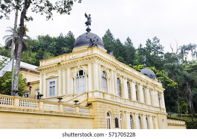 Eclectic architecture - yellow palace - centenary - perspective
