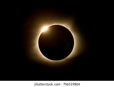 Eclipse 2017 beginning diamond ring effect