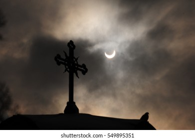 Eclipse moon, Crescent and Cross