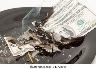 The economic crisis is burning hundred dollar