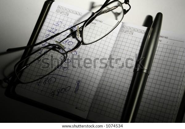 economics finance glasses