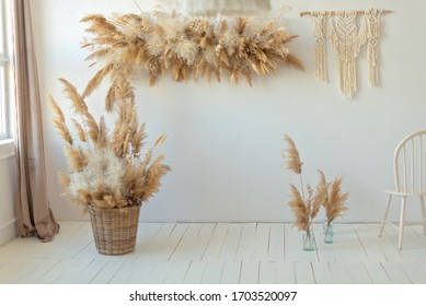 eco-style zone, reed, naturalness, macrame on the wall, reed arch