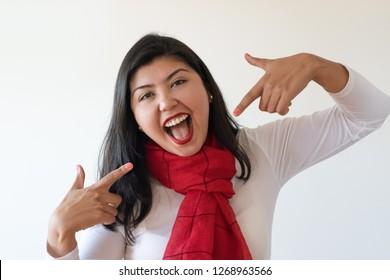 Japanese girl fingers herself