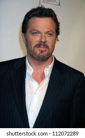 "Eddie Izzard at the premiere screening and party for ""The Riches"". Zanuck Theatre, Los Angeles, CA. 03-10-07"