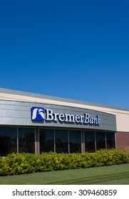 EDINA, MN/USA - AUGUST 11, 2015: Bremer Bank exterior. Bremer Bank is the name of the banks owned by the Bremer Financial Corporation.