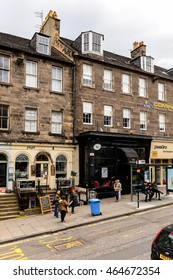 EDINBURG, SCOTLAND - JULY 17, 2016: Building  in  Edinburgh, Scotland. Old Town and New Town are a UNESCO World Heritage Site