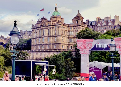 Edinburgh city centre, Princes street during the 2018 Fringe Festival. Llyods Bank Scottish headquarters in the background. Edinburgh Scotland UK. AUGUST 2018