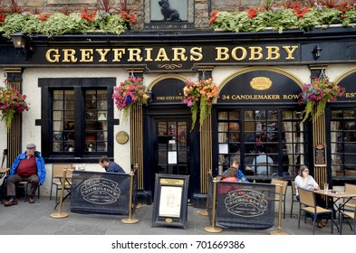 Edinburgh Pub, Greyfriars Bobby on Candlemaker Row, Edinburgh city centre, Scotland UK. August 2017