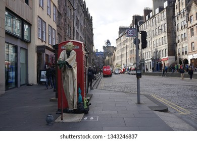 Edinburgh Scotland - 27 September 2016 : A levitation Yoda performance in Old Town