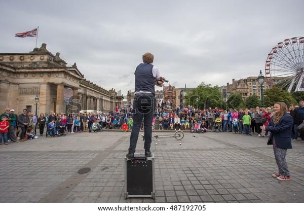 EDINBURGH, SCOTLAND. AUGUST 23. Artists perform during the Edinburgh Fringe on August 23, 2016 in Edinburgh, Scotland