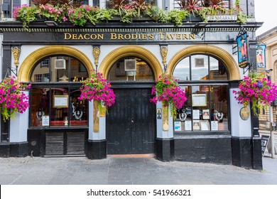 Edinburgh, Scotland - September 09, 2016: Deacon Brodies Tavern on the Royal Mile. Deacon Brodie was a decent man of business and politics in Edinburgh who had a secret life as a burglar