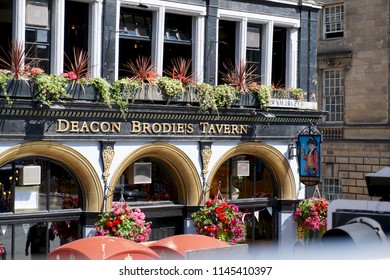 Edinburgh, Sotland - July 26th, 2018: Exterior of Deacon Brodie's Tavern on the Royal Mile, a popular destination for tourists.