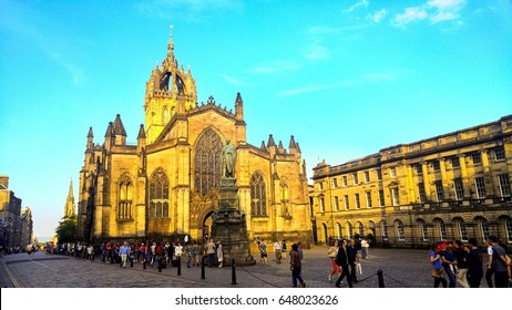 EDINBURGH, UK - MAY 26, 2017: People in front of St Giles Cathedral in Edinburgh, UK during the sunny evening