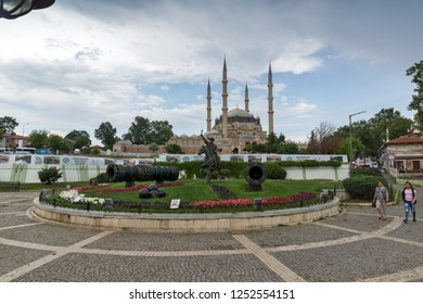 EDIRNE, TURKEY - MAY 26, 2018:  Selimiye Mosque and monument of Ottoman Sultan Mehmed II with medieval cannon in city of Edirne,  East Thrace, Tur