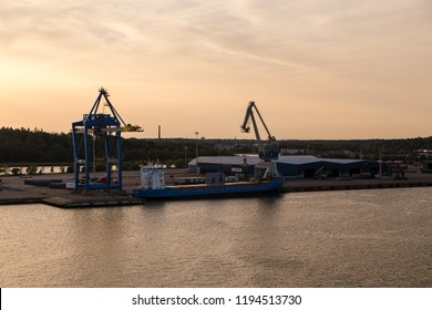 Editorial 08.09.2018 Turku Finland, loading of a cargo ship in Port of Turku