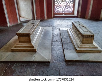 Editorial dated:11th february 2020 Location: Delhi India, Humayun's Tomb. Cenotaphs of Hamida Banu Begum, Dara Shikoh etc. in a side room.