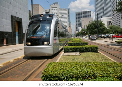 Editorial: Houston Subway Speeding through patch of greenery