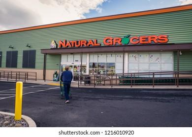 Editorial: October 24, 2018 Coos Bay/North Bend, Oregon; Natural Grocers health food store