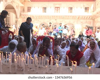 Editorial - Vrindavan Gopinath Temple 2019 Widows of Vrindavan pays tribute to Manohar Parrikar on his death instead of celebrating holi which is moment of joy for them once in year