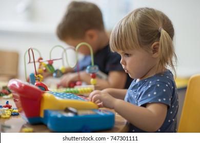 Bildung und Spiel im Kindergarten