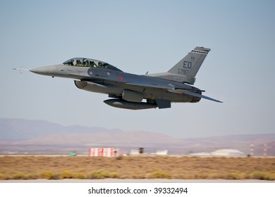 EDWARDS AFB, CA - OCTOBER 17: General Dynamics F-16 performs at Flight Test Nation 2009, October 17, 2009, Edwards Air Force Base, CA