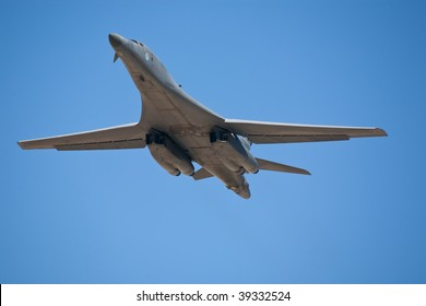 EDWARDS AFB, CA - OCTOBER 17: Rockwell B-1 Lancer supersonic bomber performs at Flight Test Nation 2009, October 17, 2009, Edwards Air Force Base, CA