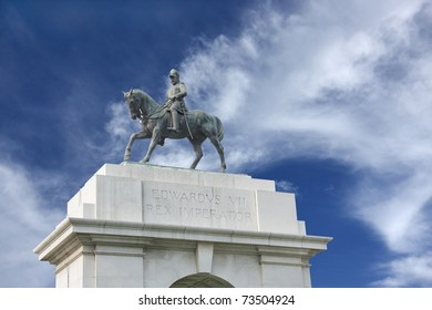 Edwards VII Rex imperator statue, southern entrance of Victoria Memorial Hall